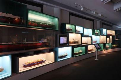 さまざまな船舶模型