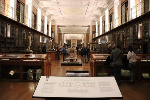 大英博物館で最も古い展示室のようです