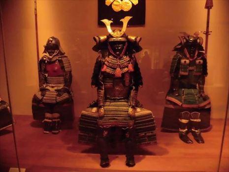 武具甲冑のコーナーには日本の鎧兜も