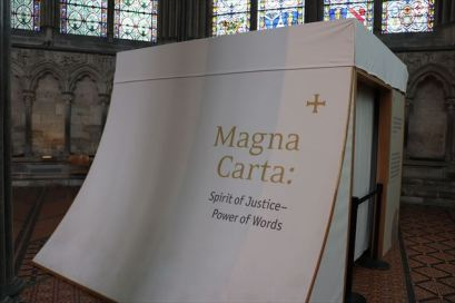 マグナ・カルタが納められている展示用のテント