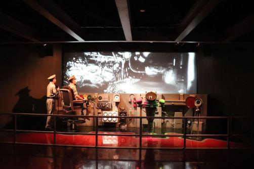潜水艦の実物の前にも展示があり、気分を高めます。鹵獲までの過程を紹介しています