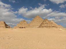 Menkaure'sPyramid5_R