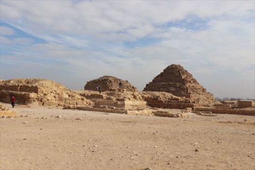 pyramids01_R
