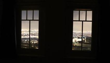 ホテルの部屋から。リヨンの夜景がきれいでした