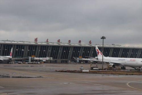 上海浦東国際空港。国際線はこちらがメインのようです