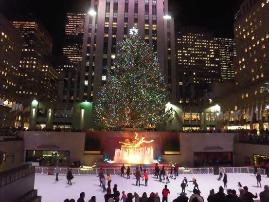 ニューヨークのロックフェラー・センターのクリスマス・ツリー