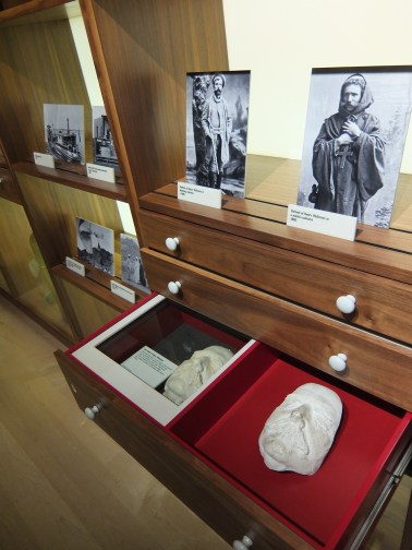 medicine-man-gallery-drawers