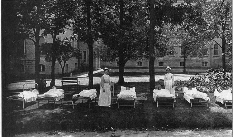 tuberculosis patients resting in shade at rockwood 1925