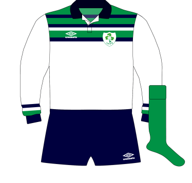 Umbro-Ireland-alternate-away-rugby-jersey-1992.png