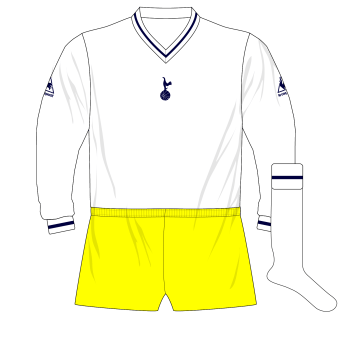 Tottenham-Hotspur-Spurs-Le-Coq-Sportif-1980-1981-kit-yellow-shorts-Brighton
