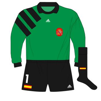 adidas-Spain-goalkeeper-shirt-jersey-1992-1994-Zubizarreta-World-Cup-qualifiers-green-01
