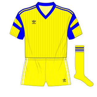 Romania-adidas-1991-Spain-v-neck-01-01
