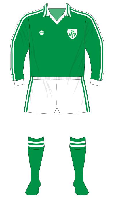 Republic-of-Ireland-1977-O'Neills-jersey-long-sleeves-Bulgaria-01-01