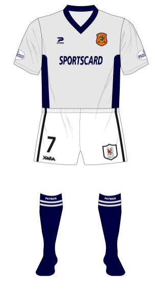 Hull-City-2001-2002-Patrick-away-shirt-Darlington-shorts-01