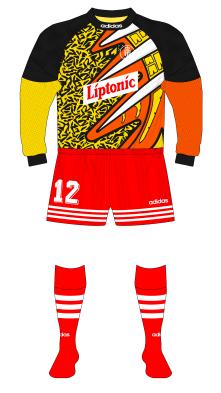 Monaco-1995-1996-adidas-maillot-gardien-Puel-Leeds-01