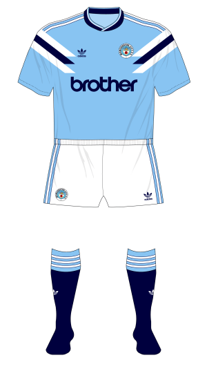 Compatibile con Giglio Lungomare  Fantasy Kit Friday – Manchester City late 80s/early 90s adidas – Museum of  Jerseys