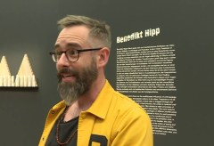 Ausstellung Kult! Legenden, Stars und Bildikonen – Interview mit Benedikt Hipp