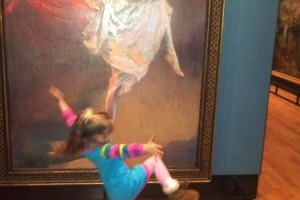 funny-little-girl-cute-painting
