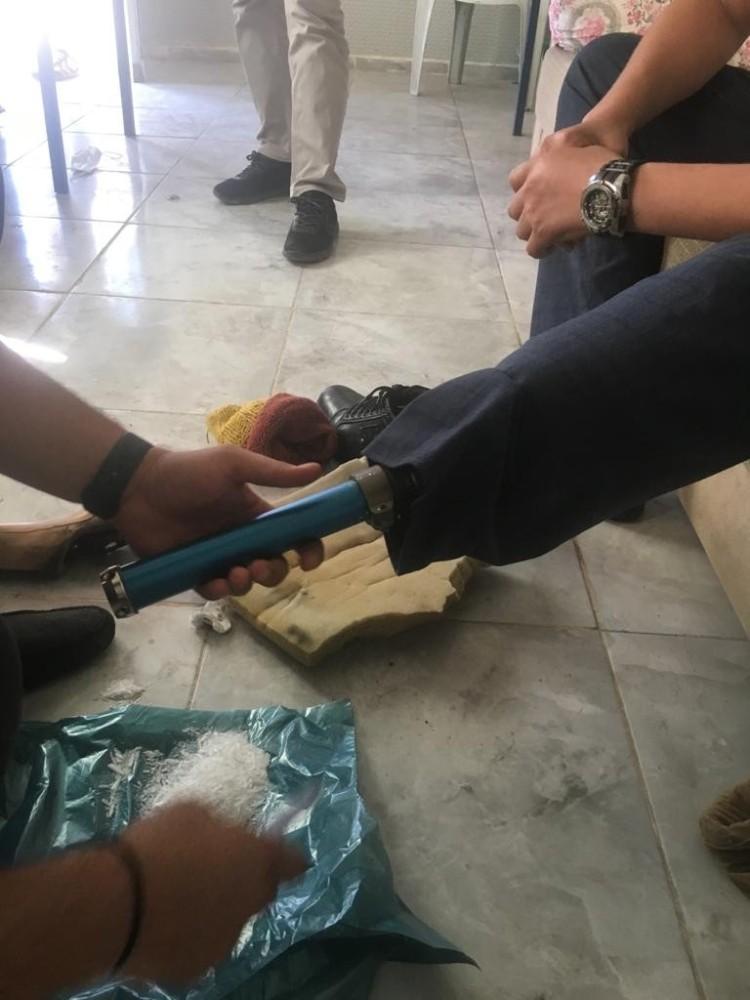 Uyuşturucu sevkiyatını protez bacağıyla sağlayan şahıs tutuklandı