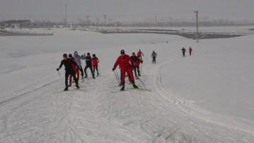 Kayaklı koşu sporcuları, şampiyona için kolları sıvadı