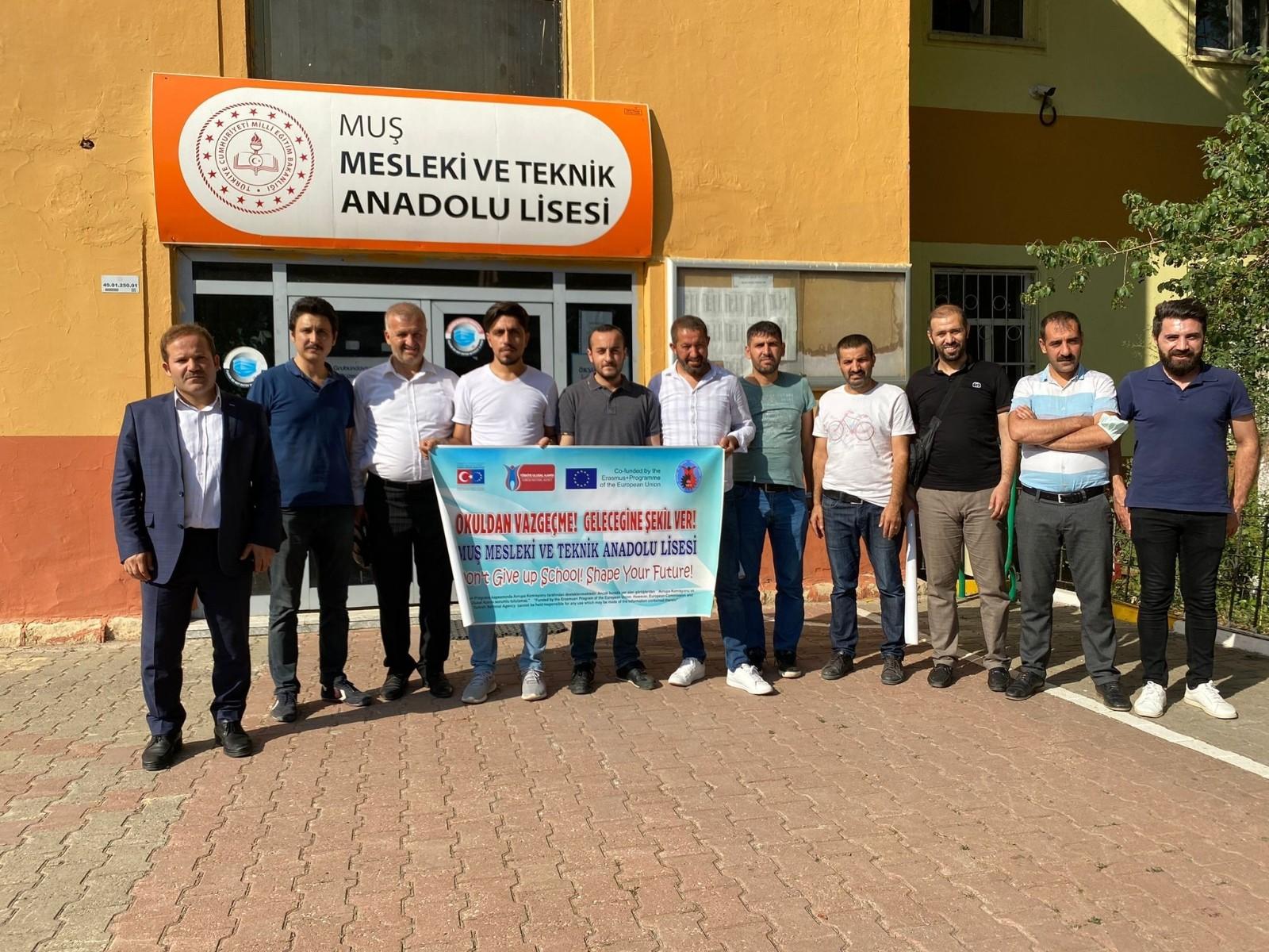 Muş'ta 10 öğretmen Almanya'ya gidiyor