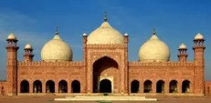 Lahore's rich heritage fading off?