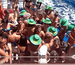 Fiestas en catamarán para despedidas en Girona
