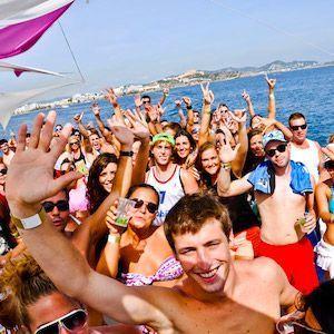 Fiestas en barco Ibiza