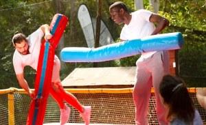 Te proponemos como actividad para tu despedida el Humor Amarillo en Platja d'Aro. Más de 20 juegos diferentes