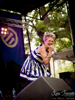Meredith Graves of Perfect Pussy at Pitchfork