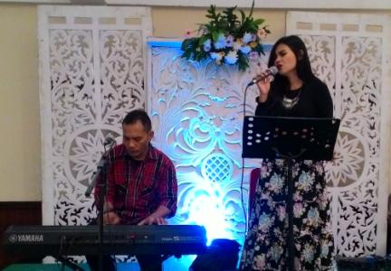 Sewa Organ Tunggal dan Penyanyi