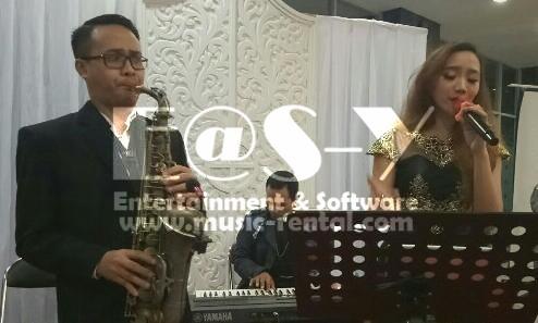 Sewa Organ Tunggal dengan Penyanyi dan Saxophone