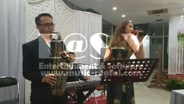 Sewa Organ Tunggal dengan Saxophone Resepsi Pernikahan Gedung Jakarta