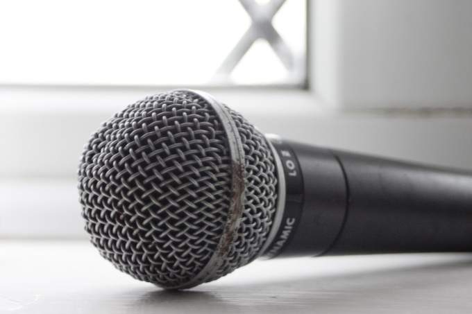 open-mic-1225539-1599x1065