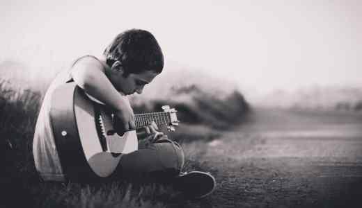 弾き語りのギターに難しい技術は不要?と思った人に伝えたい経験談