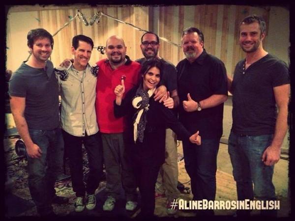 Aline Barros e equipe de produção de seu novo projeto