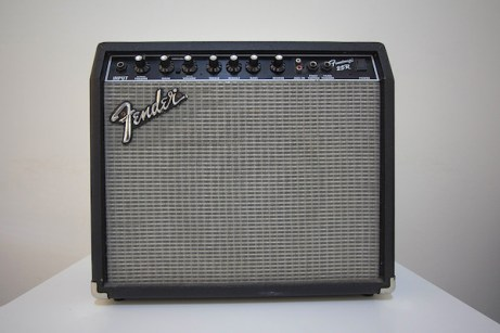 Review-Fender-Frontman-25r-1