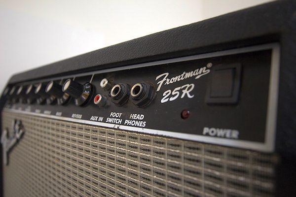 Review-Fender-Frontman-25r-5