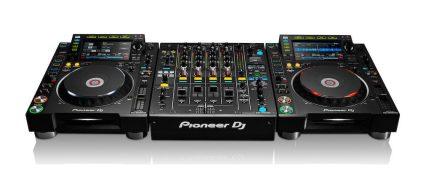 Pioneer-DJ-CDJ-2000NXS2-y-DJM-900NXS2-compatibilidad-Traktor