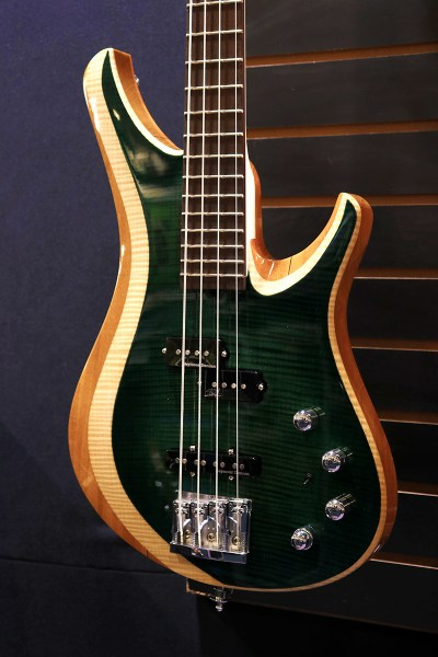 BAIXO SWEETBASS MSE Arquivo Luthiers