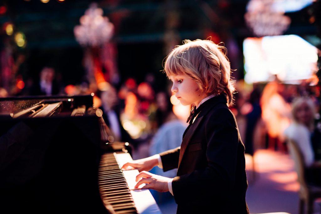 Elisey Mysin Conoce El Talento Deslumbrante De 8 Anos