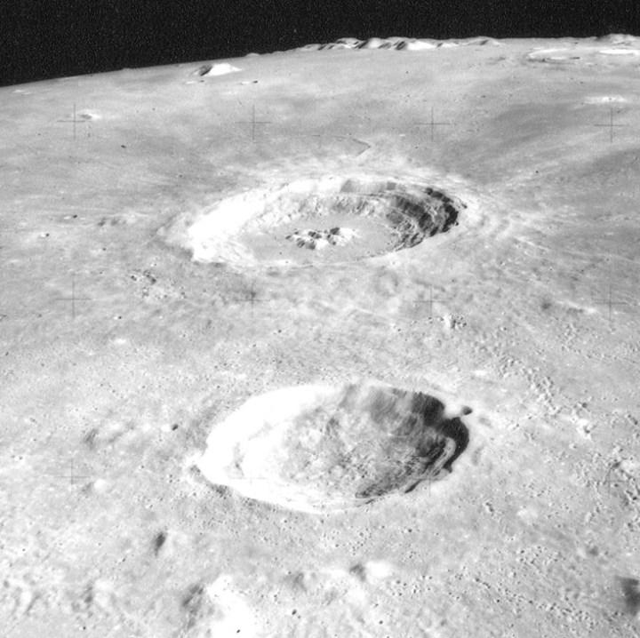 Autolycus_crater_Aristillus_crater_AS15-M-1538