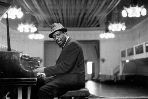 Thelonious Monk - inspiração e sample em canção de XamVolo
