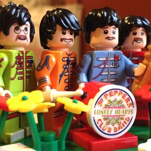 The Beatles 'Sgt. Pepper' in LEGO