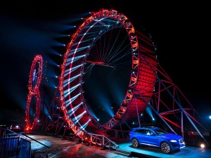 2017-Jaguar-F-Pace-Guinness-World-Record-Loop-1