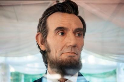 Kazuhiro Tsuji's Abraham Lincoln at OZY Fusion Festival 2016 by Coen Rees