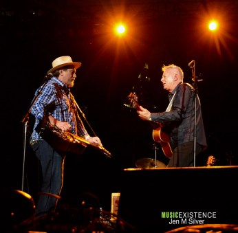 Jerry-Douglas-and-Tommy-Emmanuel4