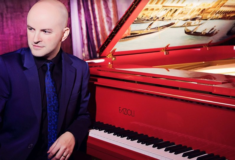 Book Mayer - A Professional Solo Pianist in Asia - Music for Asia