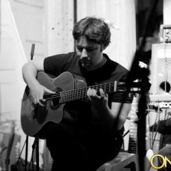 udi glaser udiguitar guitarist in london and north london session player composer