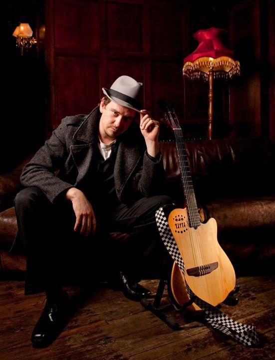 Solo Singer Guitarist in London